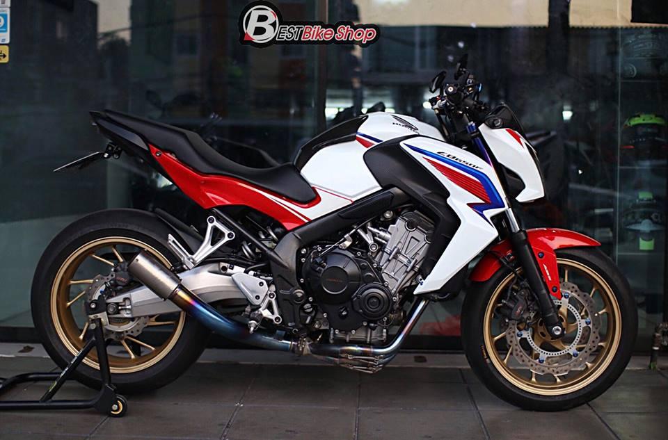 Honda CB650F ban nang cap voi nhieu phu kien an tuong