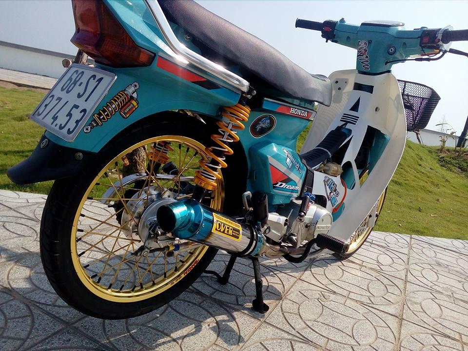 Honda Dream do lot xac manh me voi option do choi dang cap - 8