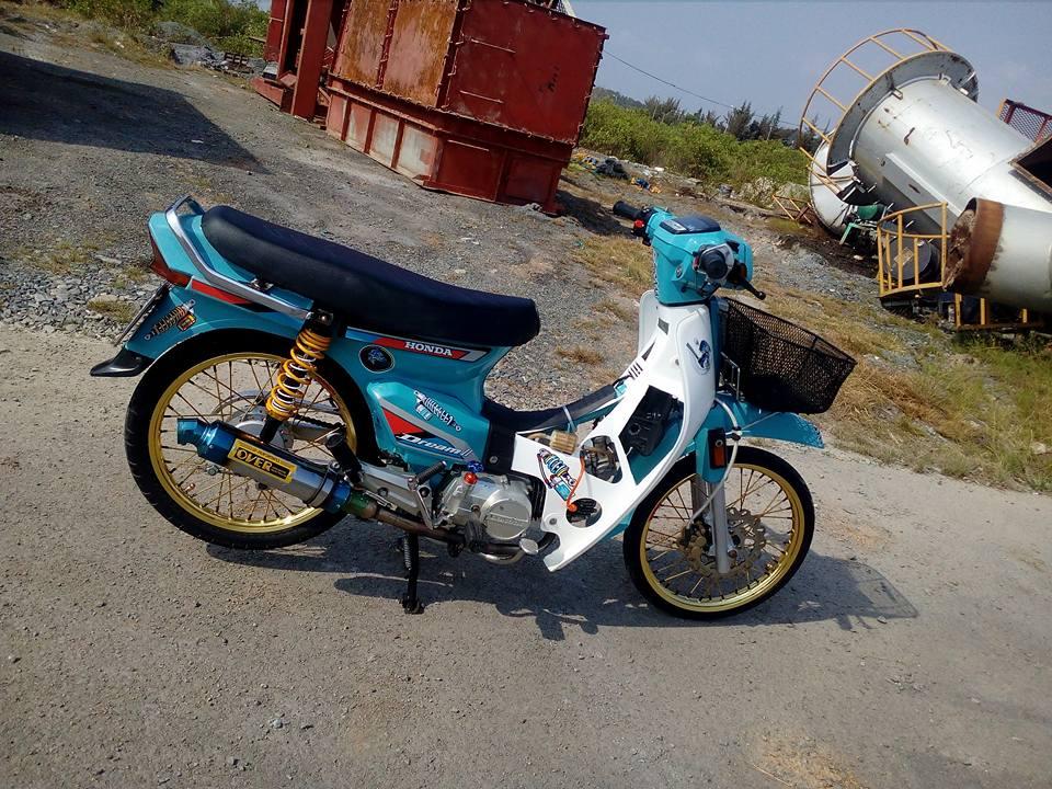 Honda Dream do lot xac manh me voi option do choi dang cap
