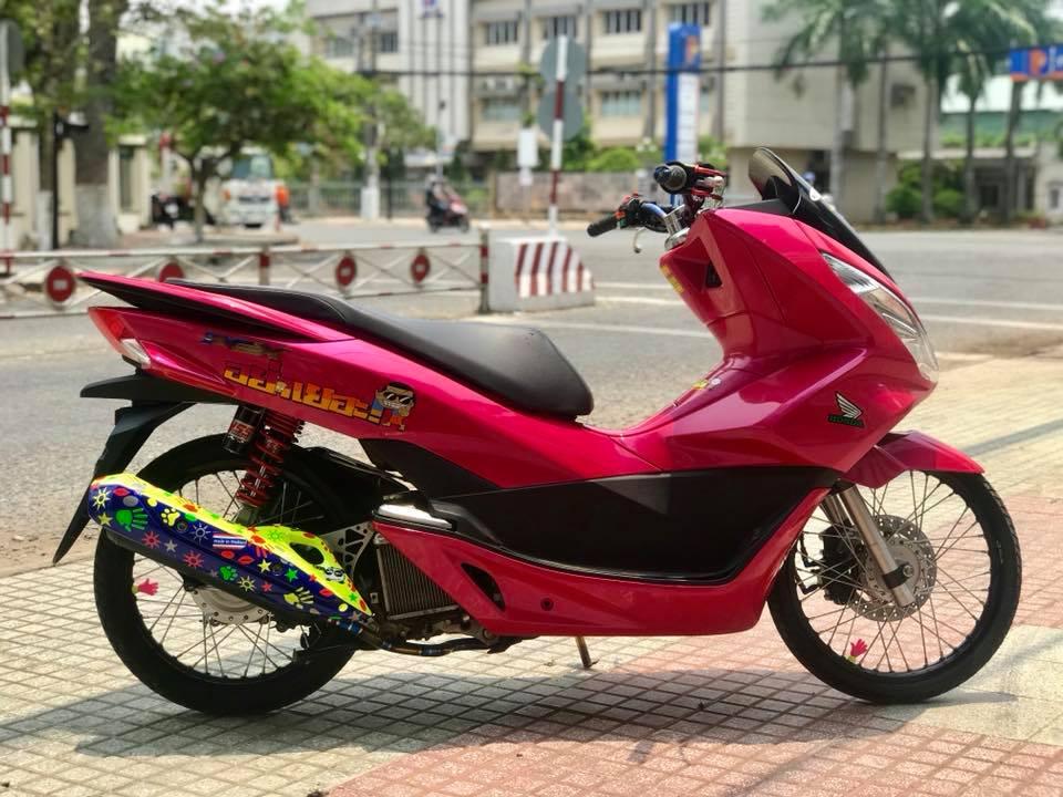 Honda PCX cua chang Biker Viet lot xac phong cach Thai day xinh xan