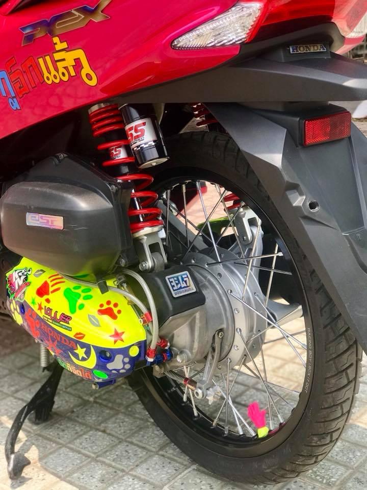 Honda PCX cua chang Biker Viet lot xac phong cach Thai day xinh xan - 8