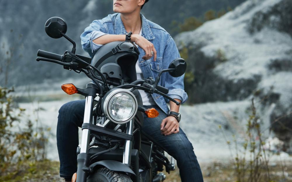 Honda Rebel 300 day phong tran khi do dang cung nguoi mau Nguyen Duy Minh - 11