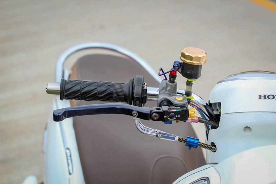 Honda Scoopy do ca tinh voi option do choi kieng gia tri cua dan choi Thailand - 4