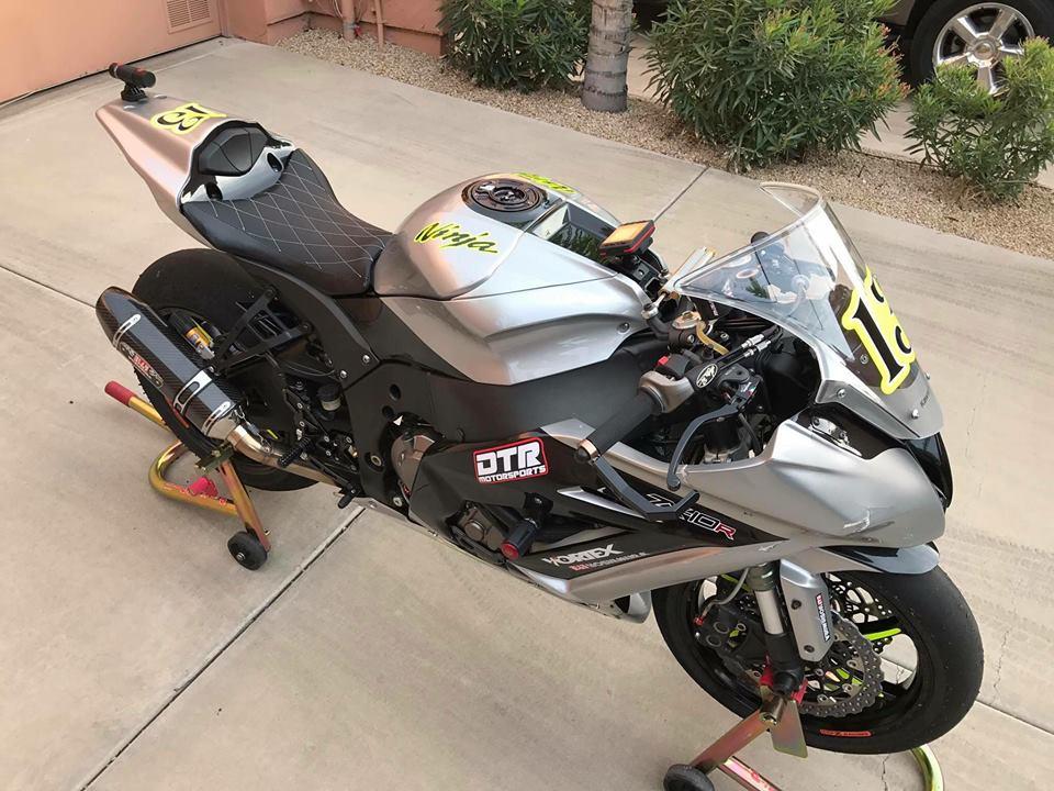 Kawasaki ZX10R chien than duong pho dep hut hon tu option danh gia