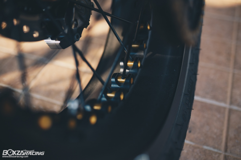 Triumph Thruxton R chan dung hoan hao tu Cafe Racer Legend - 25