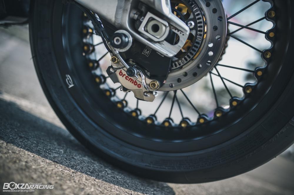 Triumph Thruxton R chan dung hoan hao tu Cafe Racer Legend - 27