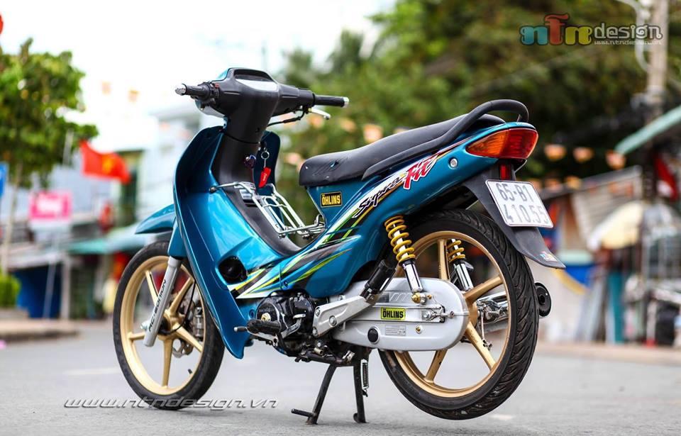 Wave 110 do dan chan Racingboy khoe dang chieu tren pho - 4