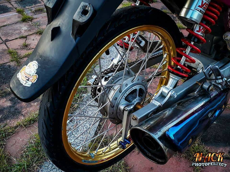 Wave 125i do mang ve dep tu tren troi roi xuong cua biker Thai - 9