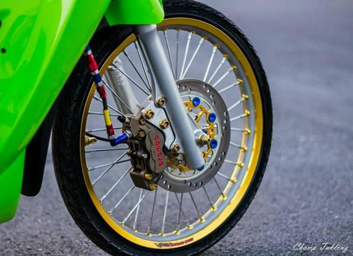Wave 125i do xa lanh voi tone mau xanh la cua biker xu chua vang - 4