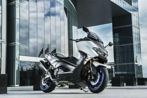 Yamaha ra mat TMax SX Sport Edition bo sung mang tinh cach mang cho phan khuc tay ga