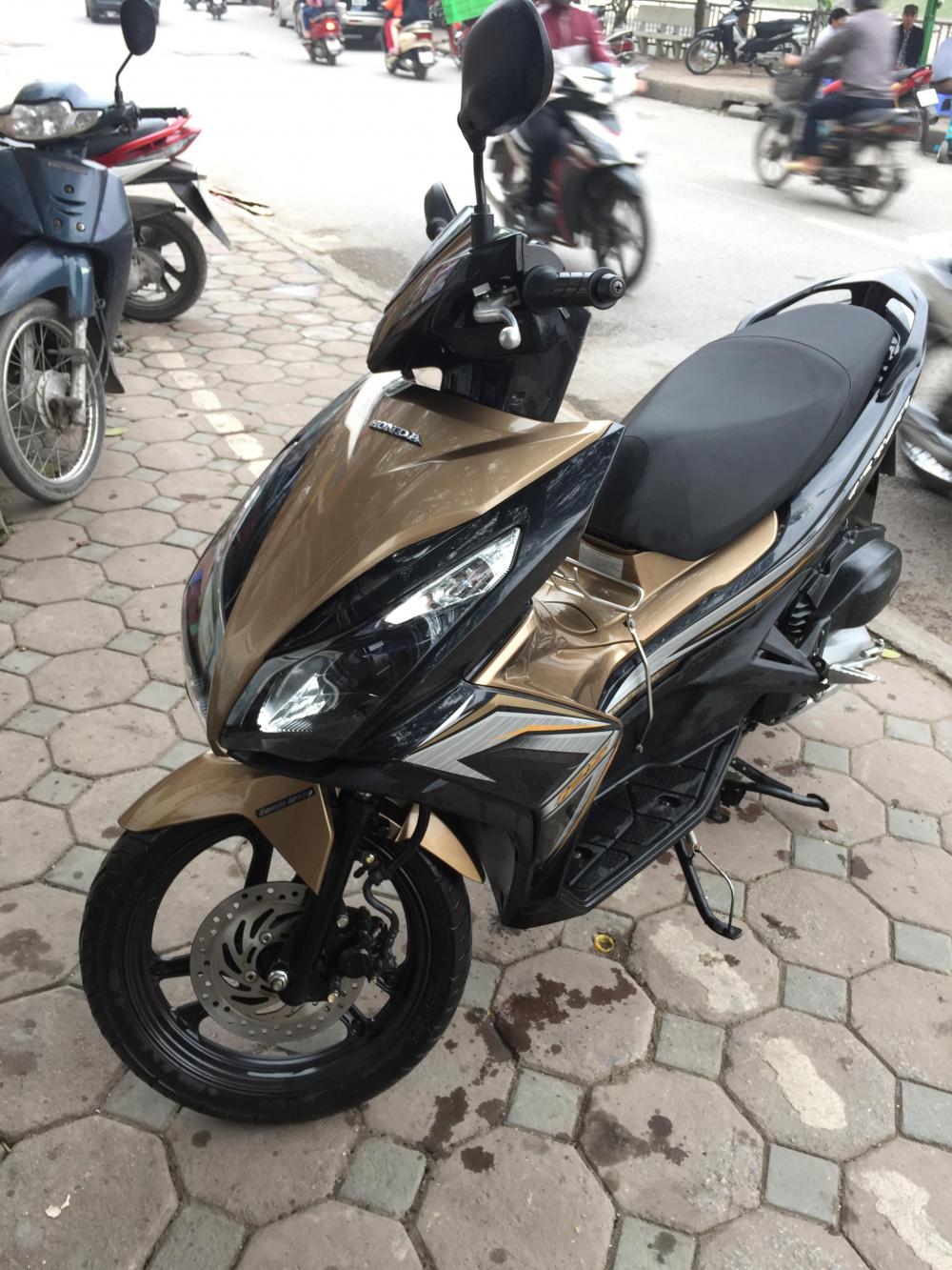 Ban xe Honda Air Blade 2015 bien Ha Noi