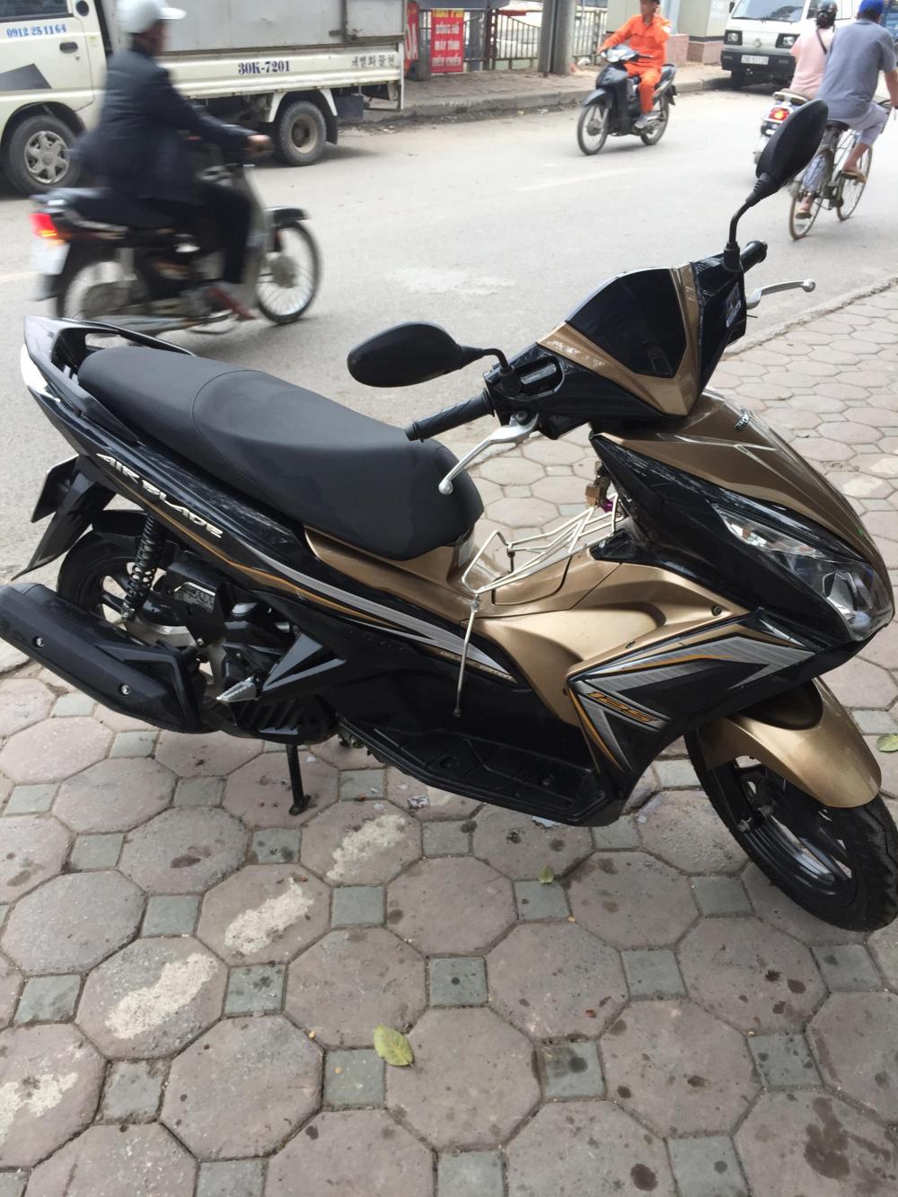 Ban xe Honda Air Blade 2015 bien Ha Noi - 2