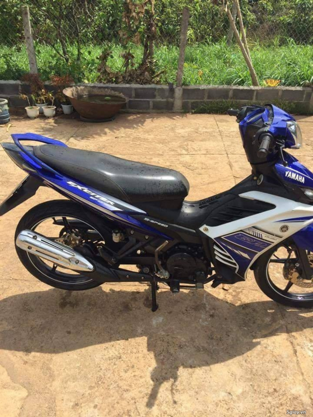 BAN XE MAY CU TRA GOP Yamaha Exciter 135 con tay