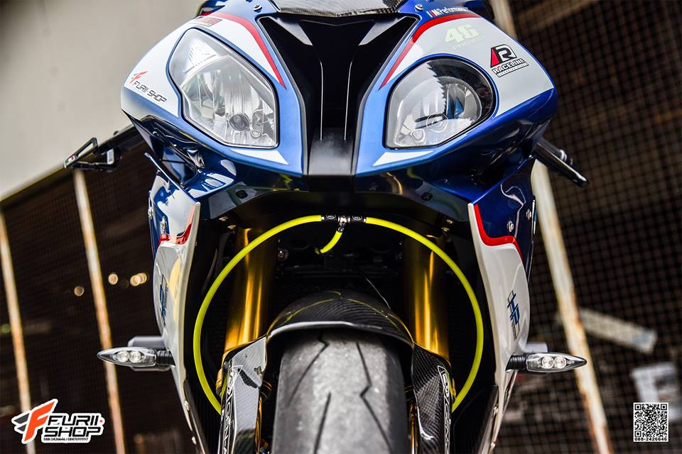 BMW S1000RR dep ngat ngay den tu dat Thai