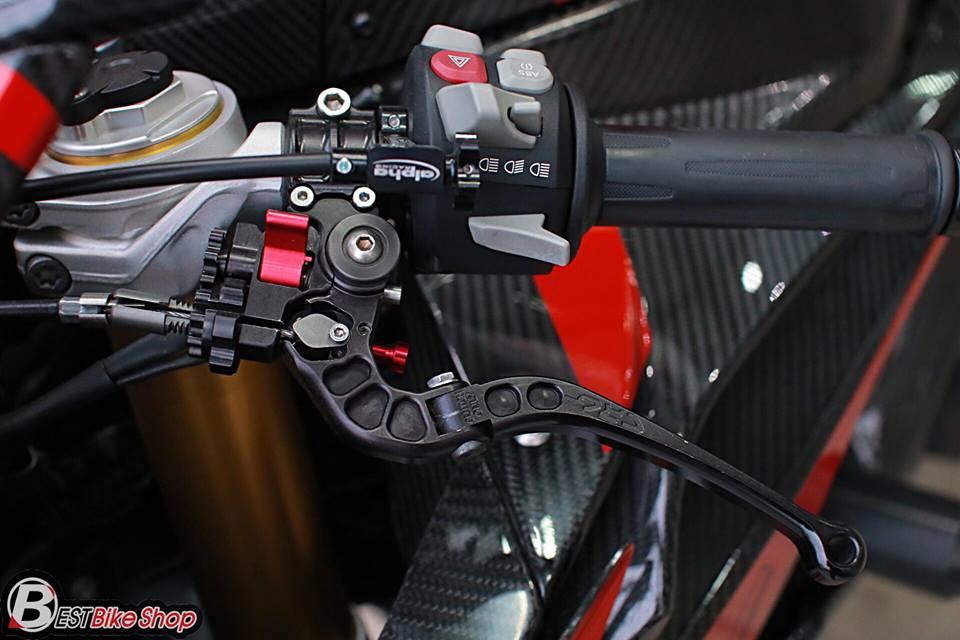 BMW S1000RR ve dep tuyet sac ben cong nghe Carbon - 8
