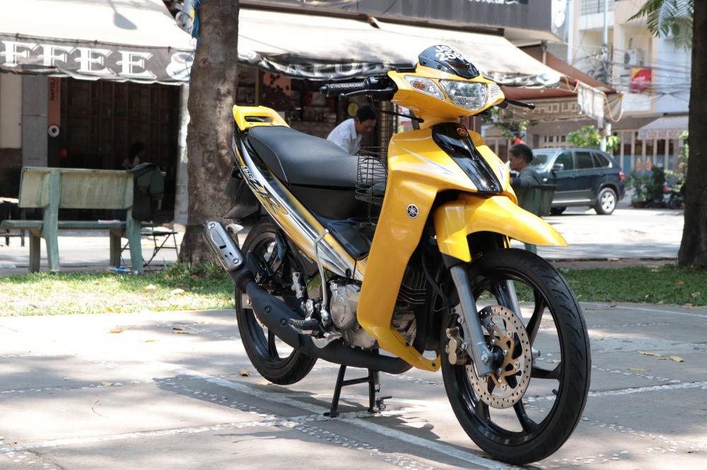 Can canh Yaz 125 2016 vua duoc dap thung tai Sai Gon