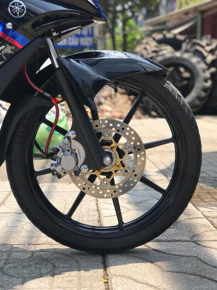 Exciter 135 do phong cach tem Hp4 BMW day lich lam - 4