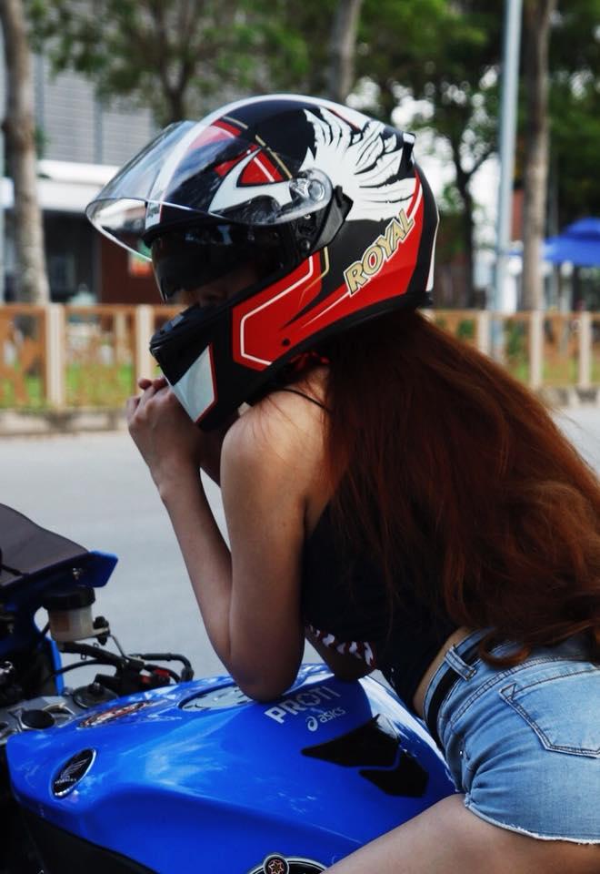 Royal Helmet Ha Noi Royal M138 tem do dap ung yeu cau cho moi dan choi moto thu thiet