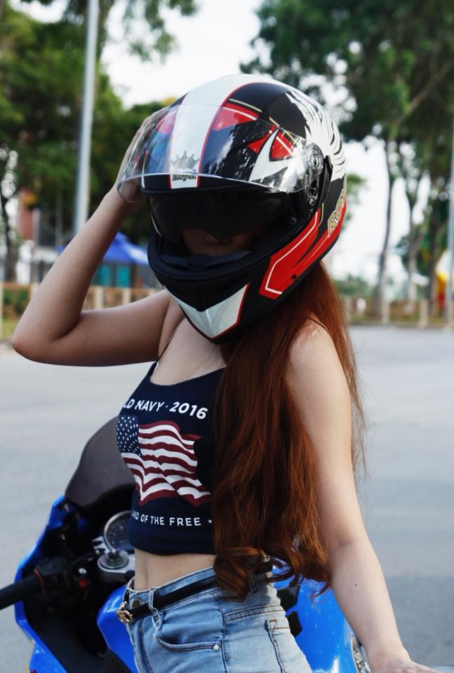 Royal Helmet Ha Noi Royal M138 tem do dap ung yeu cau cho moi dan choi moto thu thiet - 2