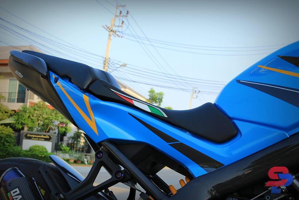 Honda CB650F tao dang cuc oach ben nguoi anh em CBR650F - 6