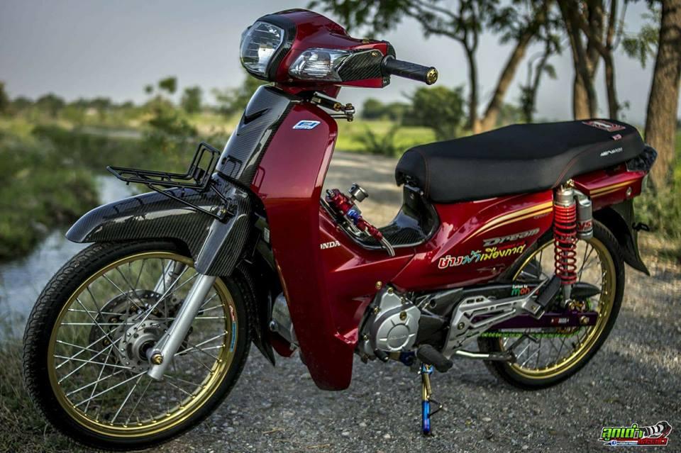 Honda Cub Fi do mang ve dep tim an den tu biker xu chua vang - 3