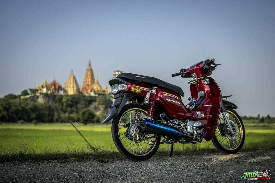 Honda Cub Fi do mang ve dep tim an den tu biker xu chua vang - 7
