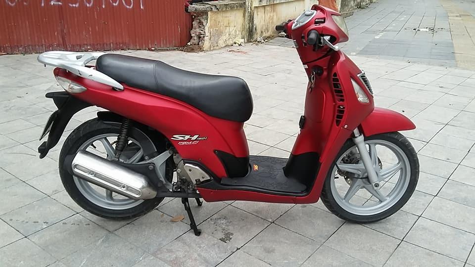 Honda SH 150i mau do san thoi trang bien ha noi
