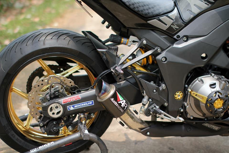 Kawasaki Z1000 do chi tiet voi dan do choi nong bong cua Biker Viet - 9
