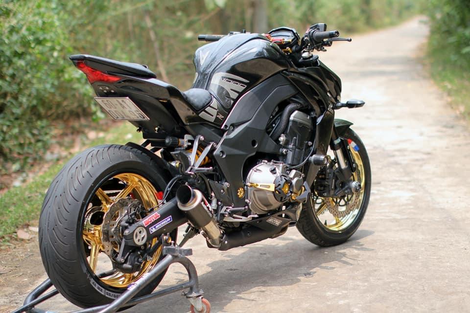 Kawasaki Z1000 do chi tiet voi dan do choi nong bong cua Biker Viet - 11