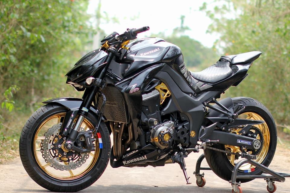 Kawasaki Z1000 do chi tiet voi dan do choi nong bong cua Biker Viet - 13