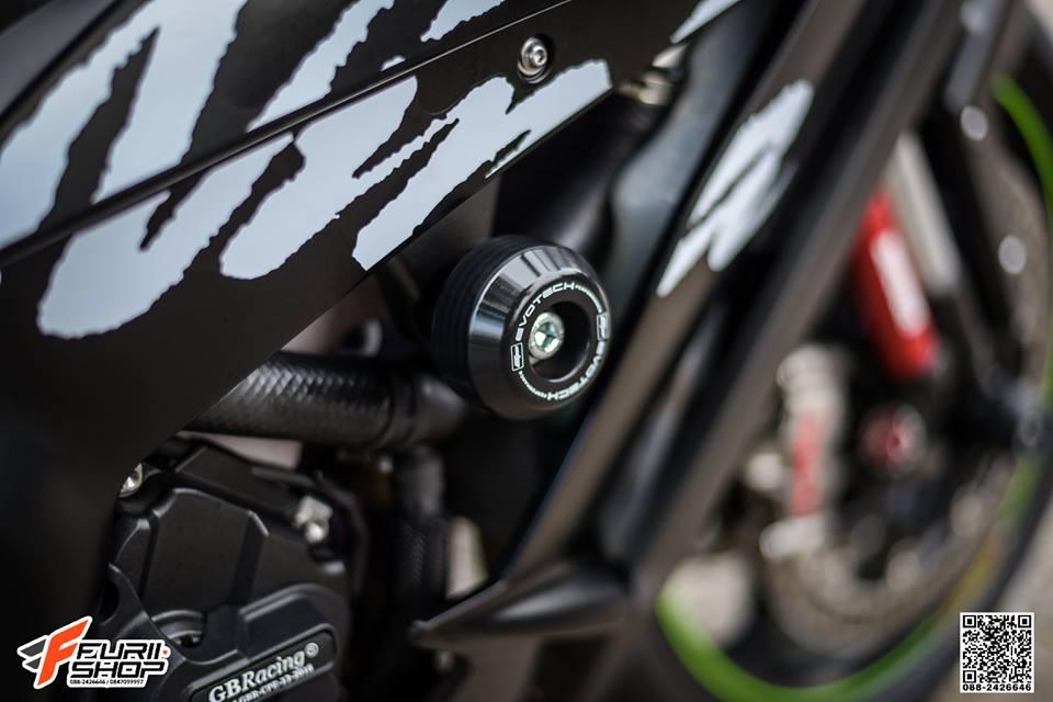 Kawasaki ZX10RR Chien than toc do nang cap hoan hao qua hinh phong full black - 10