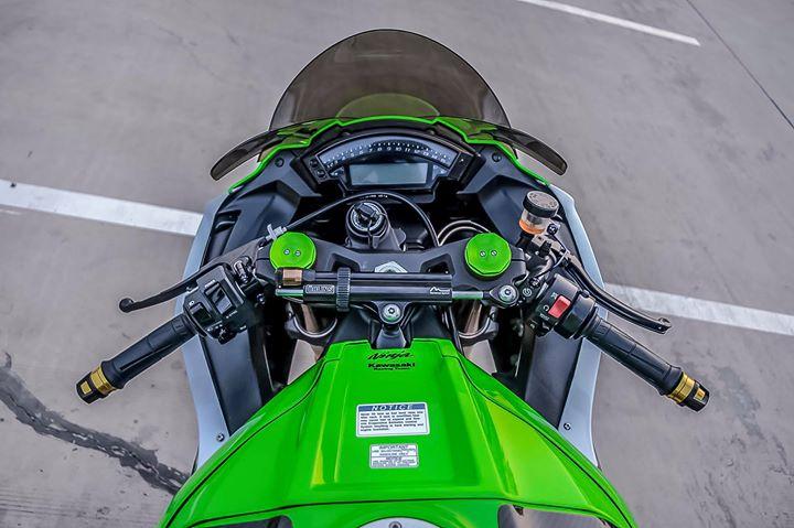 Kawasaki ZX10R sieu mo to do ca tinh ben dan chan hang hieu - 5