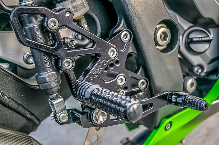Kawasaki ZX10R sieu mo to do ca tinh ben dan chan hang hieu - 11