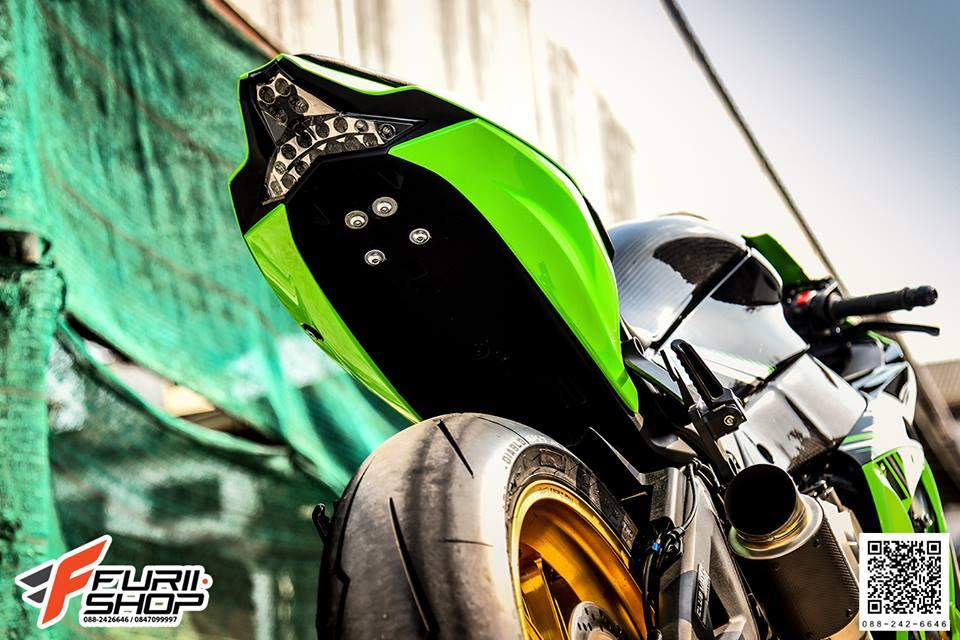 Kawasaki ZX10R tao dang cuc ngau ben dan chan Marchesini - 6