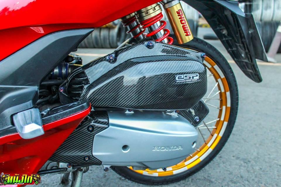 PCX 150 do an tuong voi dan chan cuc ben cua biker nuoc ban