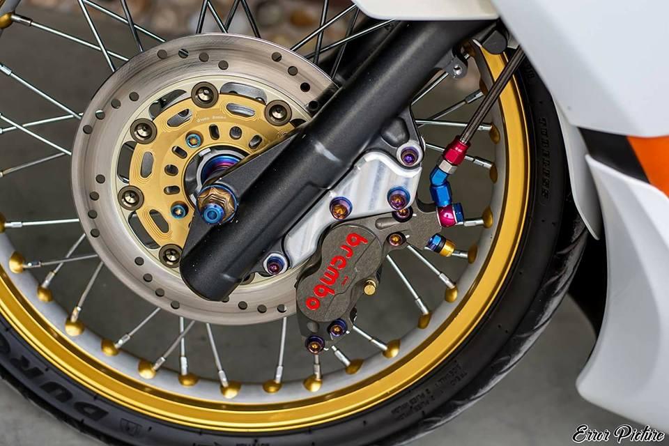 PCX 150 do mang ve dep tinh te day dang cap cua biker Thai - 7
