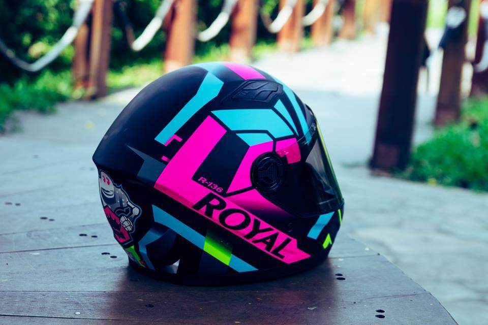 Royal Helmet Ha Noi Wow Wow RoyalM136 da dep nay con chat hon voi tem V20 moi nek ca nha oi - 4