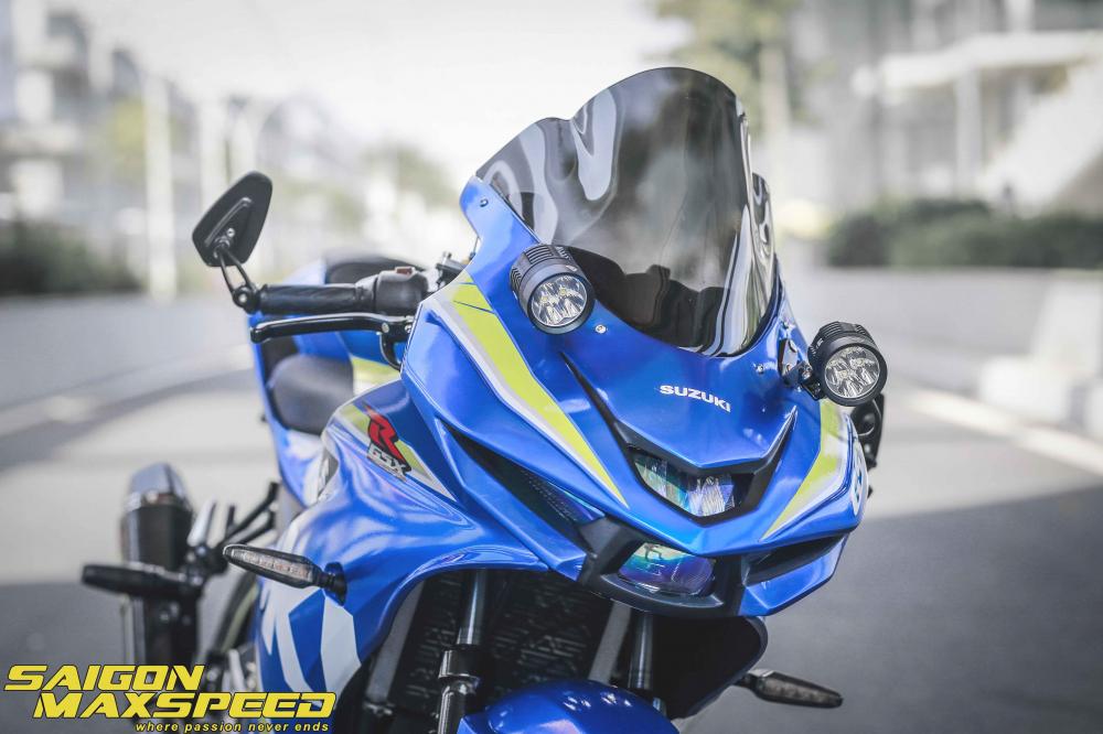 Suzuki GSX R150 do gay an tuong nguoi xem voi option do choi dang cap - 4