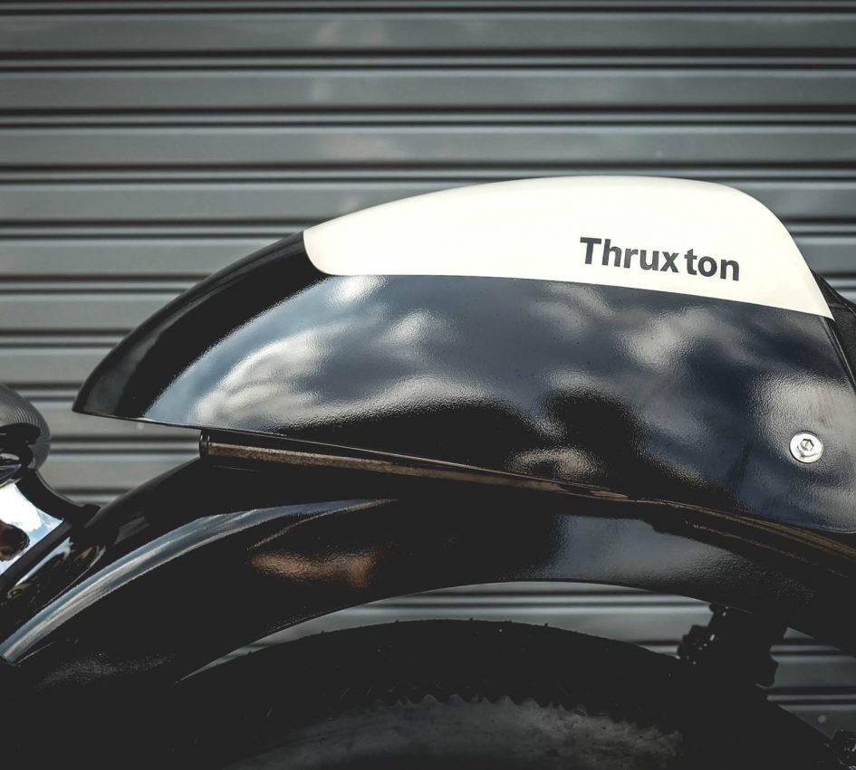 Triumph Thruxton 900 ban do Cafe Racer day cam hung - 8