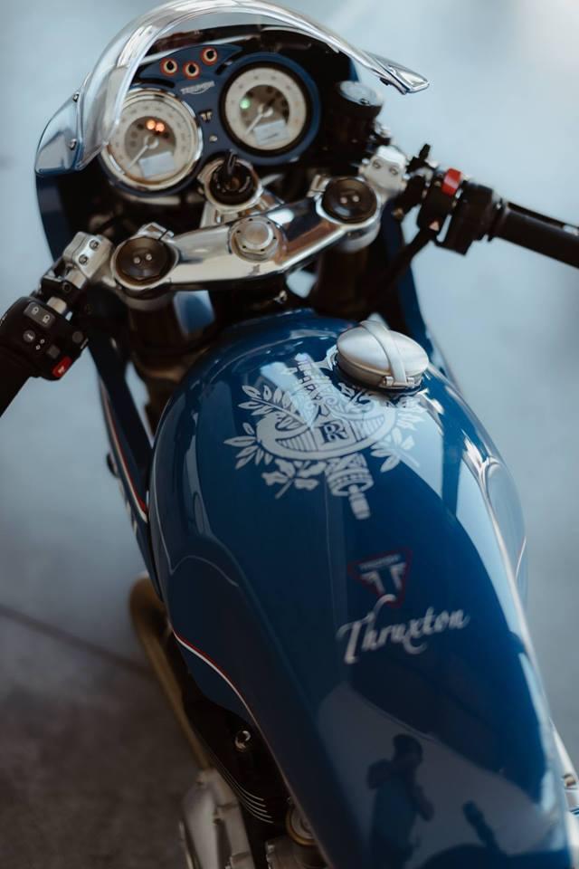 Triumph Thruxton R su tro lai cua huyen thoai Cafe Racer mang phong cach Hoang Gia - 4