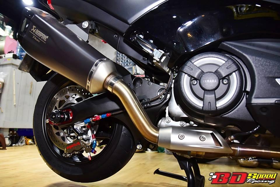 Yamaha TMAX 530 tao hinh an tuong voi trang bi full option - 13
