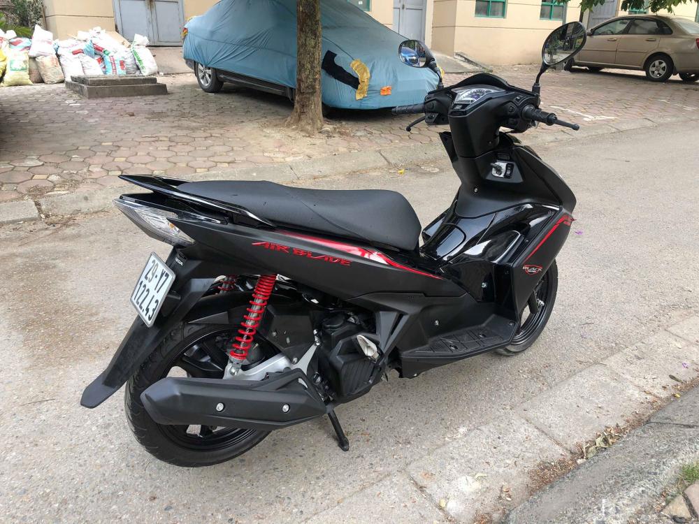 Air blade 125 Black den san 29Y7 12243 khoa bam cao cap 365 trieu cho nguoi can dung - 3