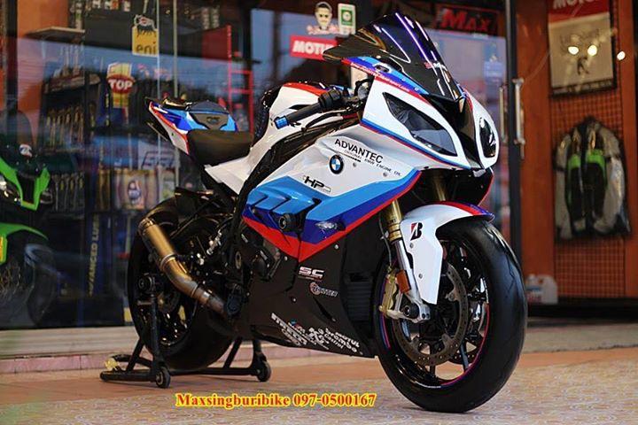 BMW S1000RR make up hoan thien voi option chi tiet
