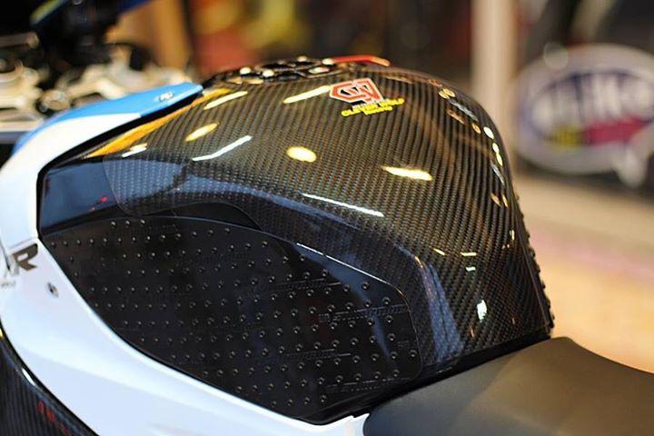 BMW S1000RR make up hoan thien voi option chi tiet - 10