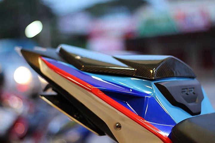BMW S1000RR make up hoan thien voi option chi tiet - 13