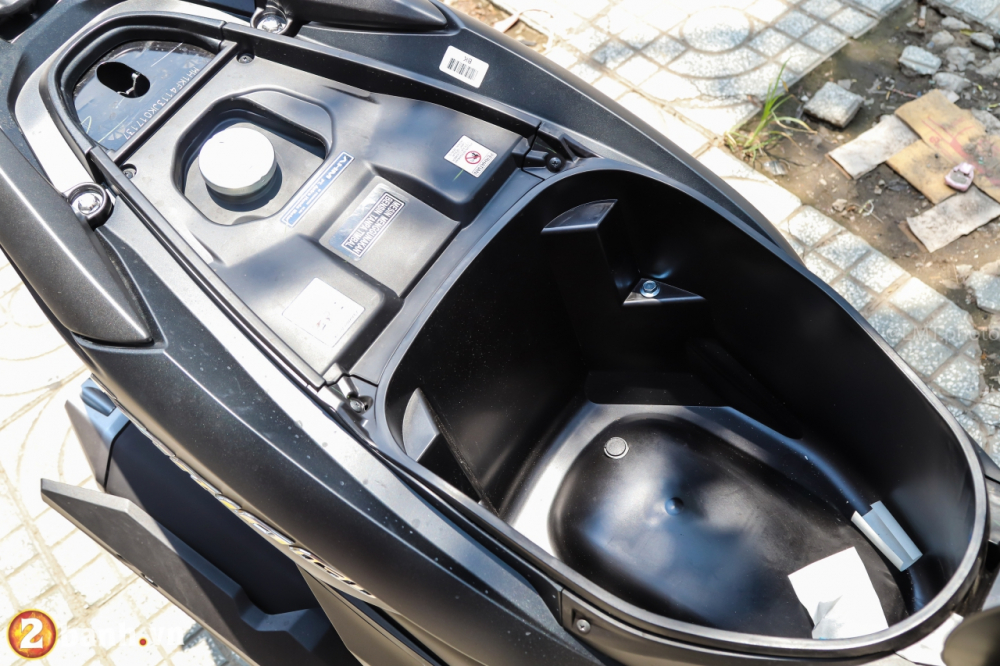 Can canh chi tiet Honda Vario 150 2018 gia duoi 70 trieu VND - 17