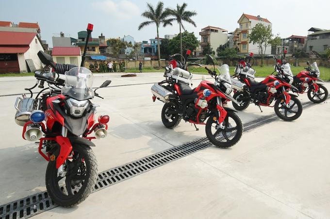 Chi tiet moto dac chung cua canh sat chua chay Viet Nam
