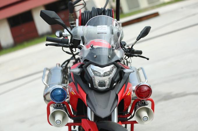 Chi tiet moto dac chung cua canh sat chua chay Viet Nam - 3
