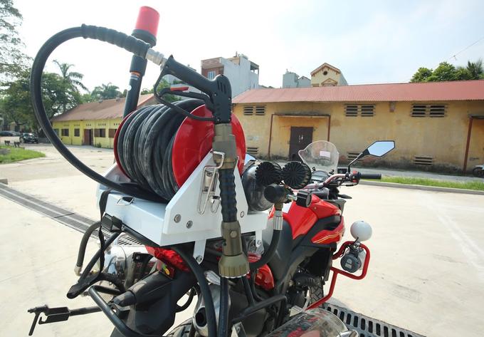 Chi tiet moto dac chung cua canh sat chua chay Viet Nam - 7
