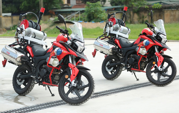 Chi tiet moto dac chung cua canh sat chua chay Viet Nam - 9